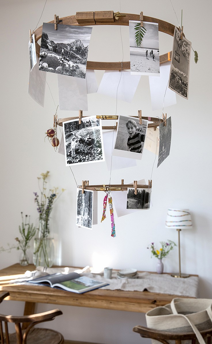 Foto-Mobile aus alten Stickrahmen