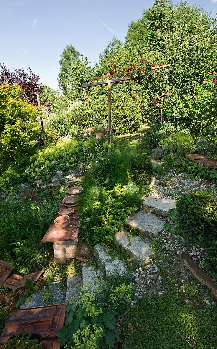Inspiration für den Garten: Gestaltung mit Naturstein und Ziegel