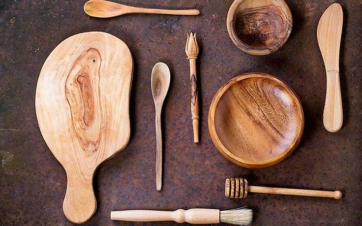 So reinigen Sie Kochwerkzeug aus Holz