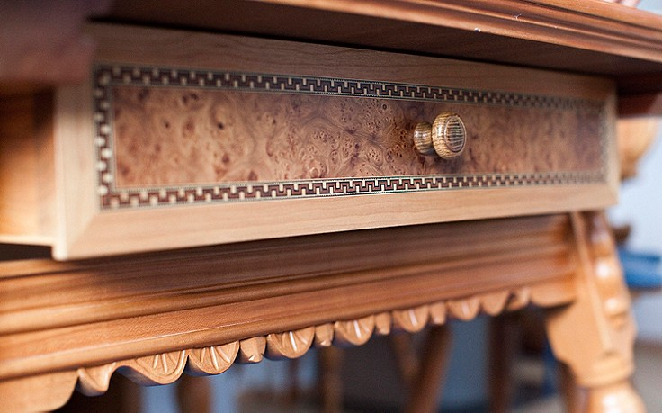 Der Kunsttischler aus dem Montafon und seine Tische mit Herz und Seele