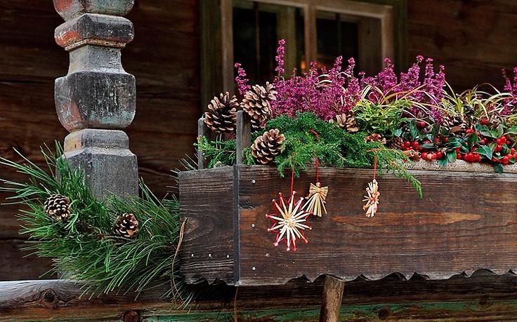 Inspiration für daheim: winterlicher Balkon-Schmuck