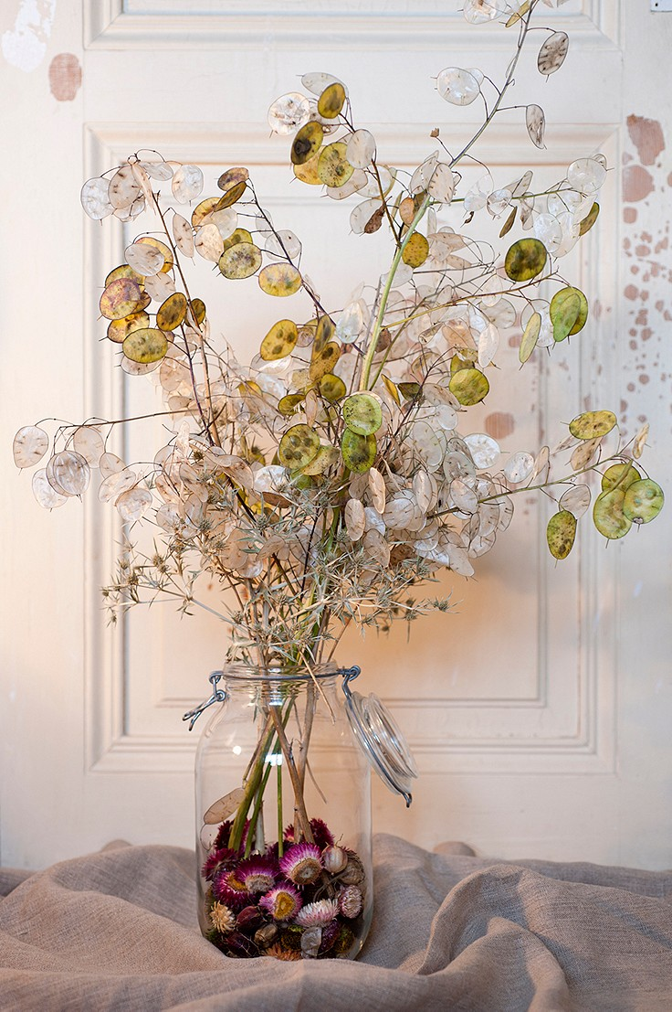 Inspiration für daheim: Mit Samenkapseln, Nüssen und Zweigen dekorieren