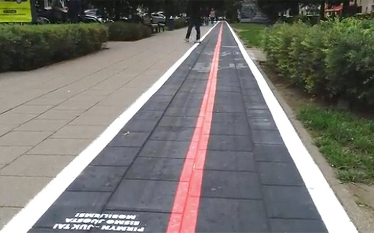 Eigene Fußwege nur für Smartphone-User