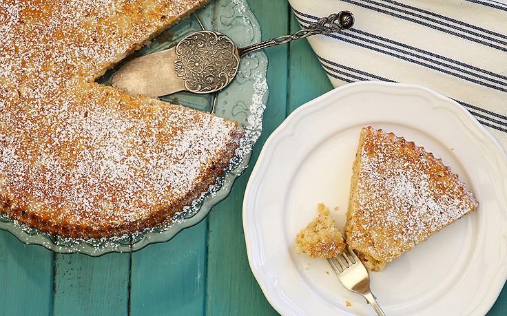 Torte aus Zitronenbiskuit