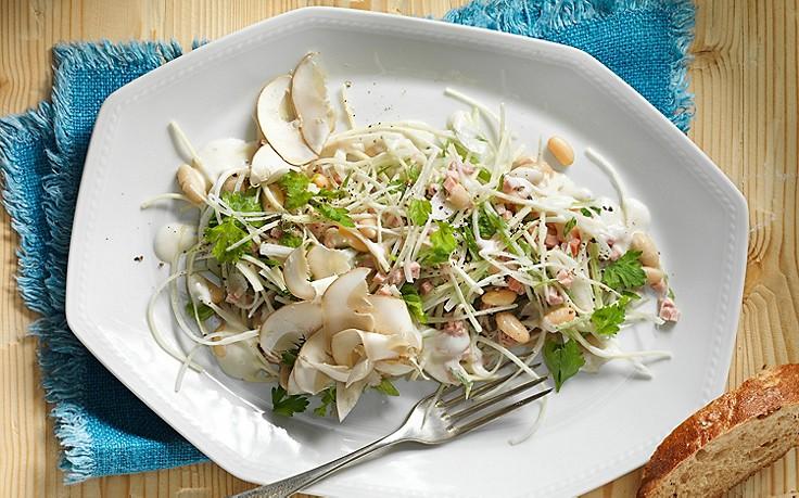 Schneller Salat von der Petersilwurzel