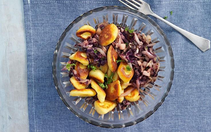 Erdäpfel-Nidei mit Radicchio-Gemüse