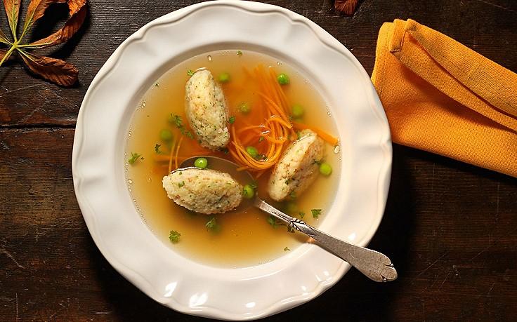 Pikante Grießnockerln mit Schinken und Käse
