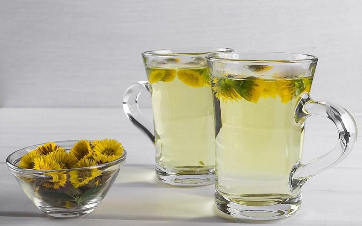 Huflattich-Tee gegen Heiserkeit