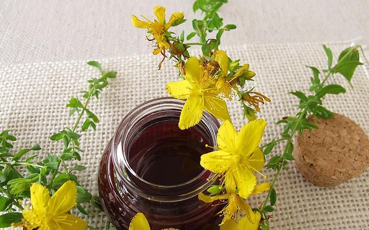 Hautberuhigendes Johanniskraut-Öl