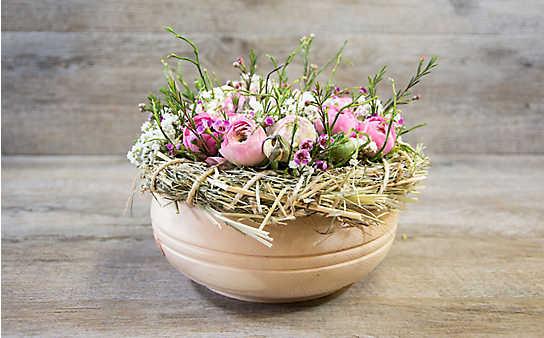 Blumengesteck mit Ranunkeln