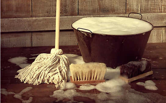 Bodenbelag reinigen und pflegen