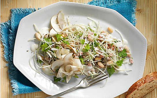 Salat von der Petersilwurzel