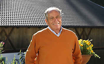 Unsere ServusTV-Moderatoren: Dr. Hans Gasperl