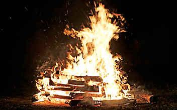 Sonnwendfeuer – darum brennt es am 21. Juni