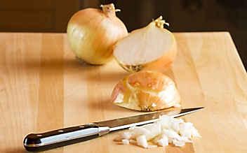Zwiebel richtig schneiden
