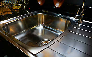 5 Tipps, die die Edelstahl-Abwasch zum Glänzen bringen