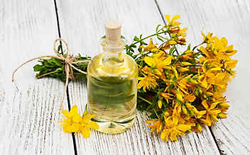 Grüne Kosmetik zum Selbermachen: Johanniskraut-Heilsalbe