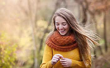 Wie sich der Haarausfall im Herbst verhindern lässt