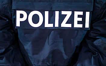 Frau attackierte Lokalgast grundlos mit Messer