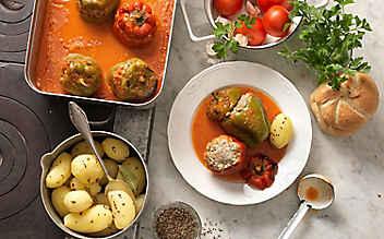 Gefüllte Paprika mit Salz-Kümmel-Kartoffeln