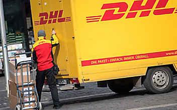 DHL-Bote liefert Kind (3) nach Hause
