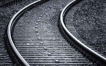 Gefährliche Rache: Schwarzfahrer lassen beinahe Zug entgleisen