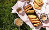 Pistazien-Marmorkuchen mit Himbeeren