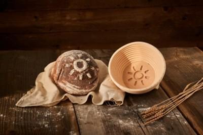 Brotform mit Sonnen-Motiv